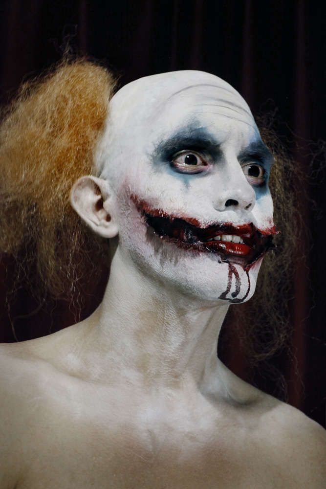 27 Scary Circus Clown Photos