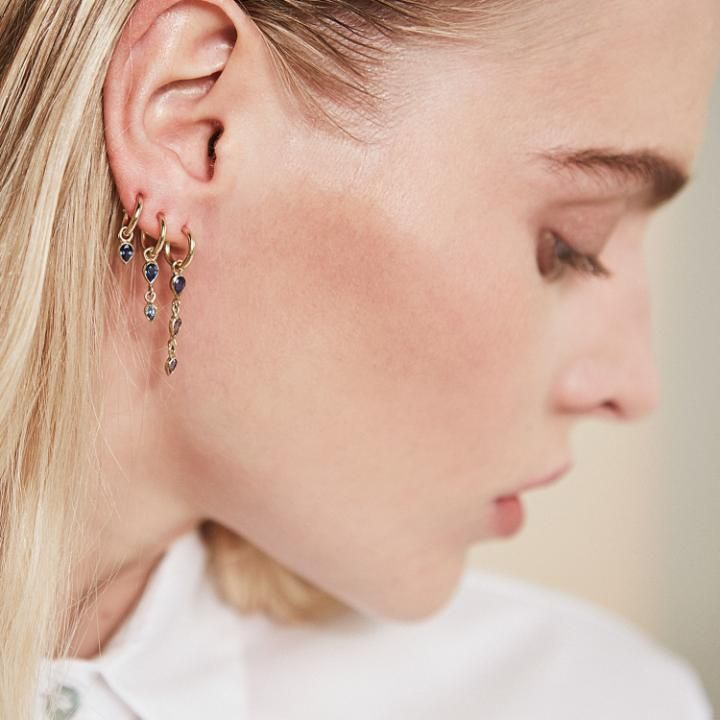 Graduated drop earrings from Metier by Tomfoolery