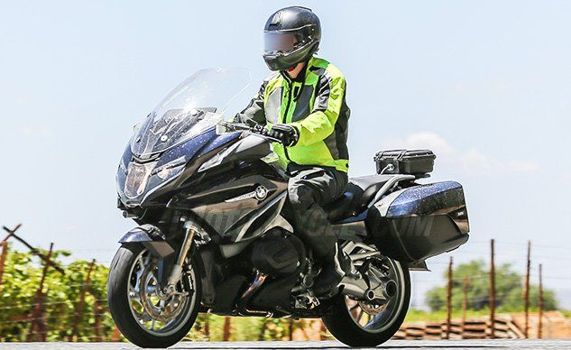 BMW R1200RT with New Boxer Engine Spied  ||  Spy photographers have spotted a new BMW R1200RT undergoing testing with what looks like a new Boxer engine, possibly with a variable valve timing system. http://www.motorcycle.com/features/2019-bmw-r1200rt-spy-photos-new-boxer-engine.html?utm_campaign=crowdfire&utm_content=crowdfire&utm_medium=social&utm_source=pinterest