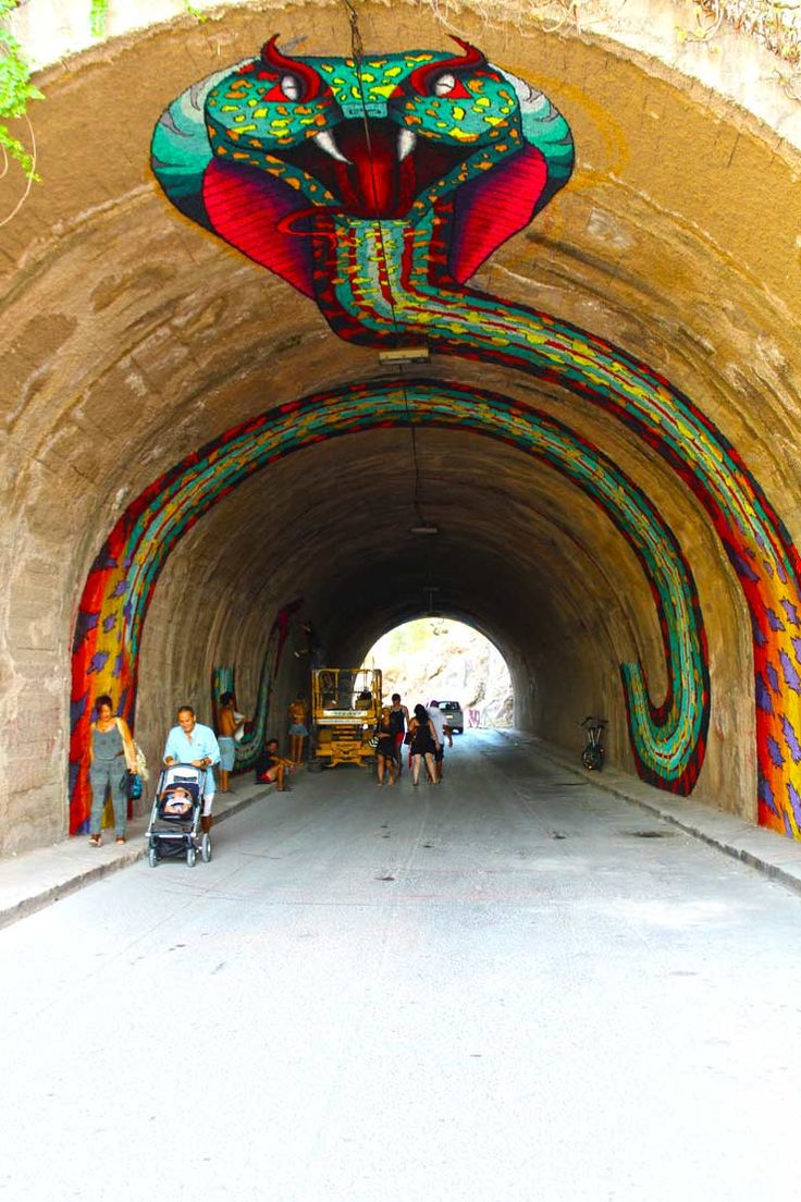 Spaik Snakes Back to The Tunnel In Ibiza : Brooklyn Street Art