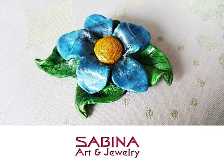Brosa - floare albastra