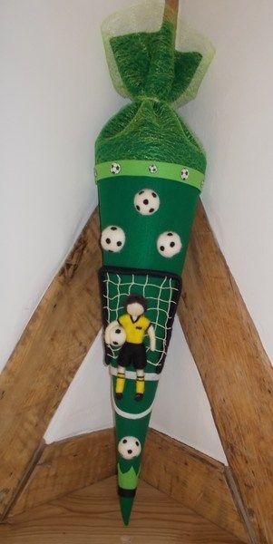 Schultüte Fußball Filz Waldorfart von Kreativ Werkstatt Gleichen auf DaWanda.com