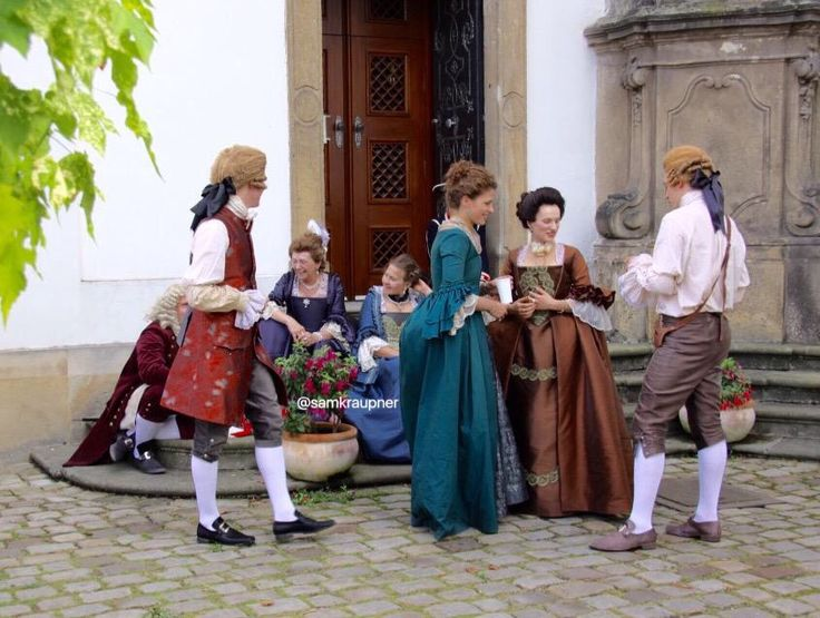 Outlander Season Two: Amazing Outfits in Prague  (Same fashion period as Heart of Fragile Stars)