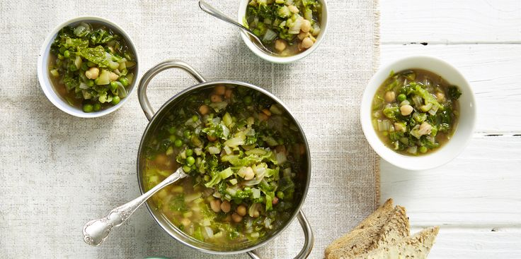 We hard on about the importance of greens and this minestrone certainly delivers!