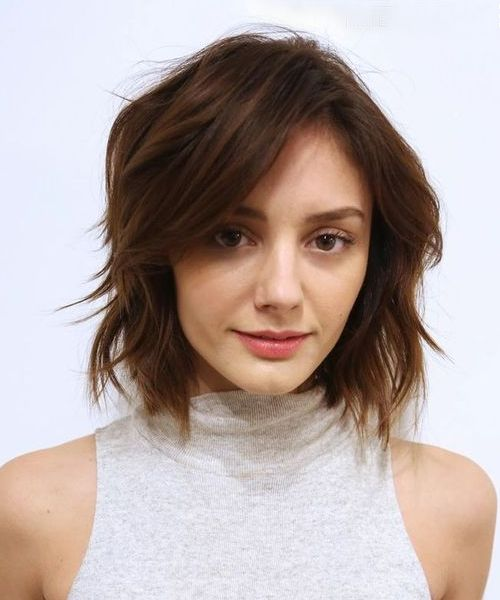 Chic Short to Medium Hairstyles 2018 You Can't Miss Out