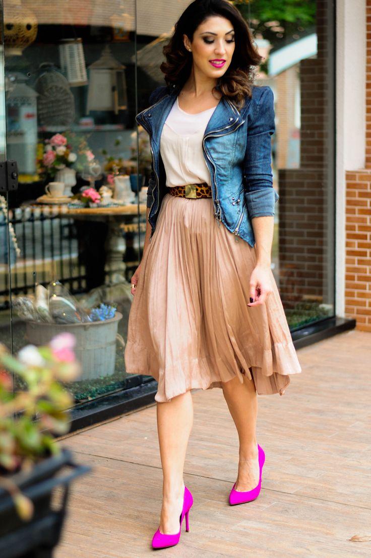 Comentário Fernanda Fuscaldo: Jaqueta jeans para quem tem estilo feminino, romântico.