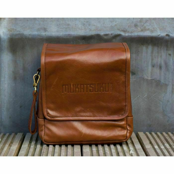 Buy Mukatsuku Records Are Our Friends Leather 7 Inch 45 Vinyl Record Bag Version 2 (vintage soft brown leather, holds up to 80 x 7 singles) (Juno Exclusive) at Juno Records. In stock now for same day shipping. Mukatsuku Records Are Our Friends Leather 7 Inch 45 Vinyl Record Bag Version 2