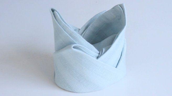 17 best images about pliage serviette on pinterest. Black Bedroom Furniture Sets. Home Design Ideas