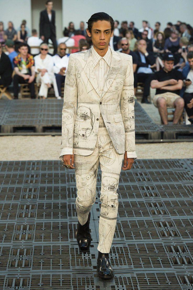 Alexander McQueen Spring 2019 Herrenkollektion, Runway-Looks, Beauty, Models, … – Mens Fashion Edgy