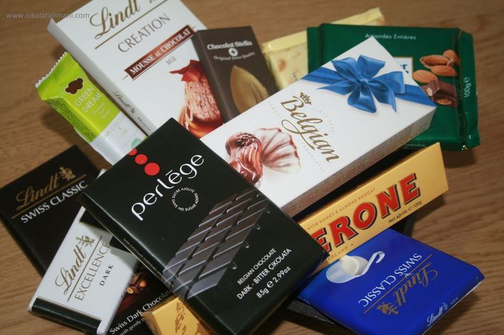 Çikolata krizinizi bastıracak bir çikolata paketi :)  Çikolata Krizi Maxi Çikolata Paketi'yle; 7 farklı marka 11 çeşit çikolata kargo dahil 89,90 ₺  * Çikolata Krizi Maxi Çikolata Paketi içeriğinde; Green Dream, Chocolat Stella, Lindt, Ritter Sport, Belgian, Toblerone ve Perlege vardır * Kendiniz ve sevdikleriniz için güzel bir hediye çikolata paketidir www.cikolatalimani.com