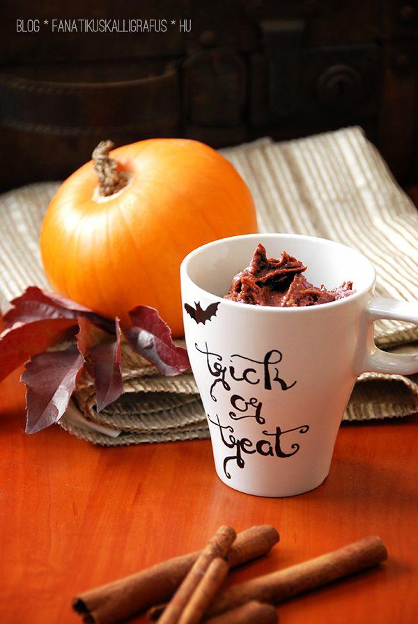 Paleo pumpkin-chocolate cream dessert