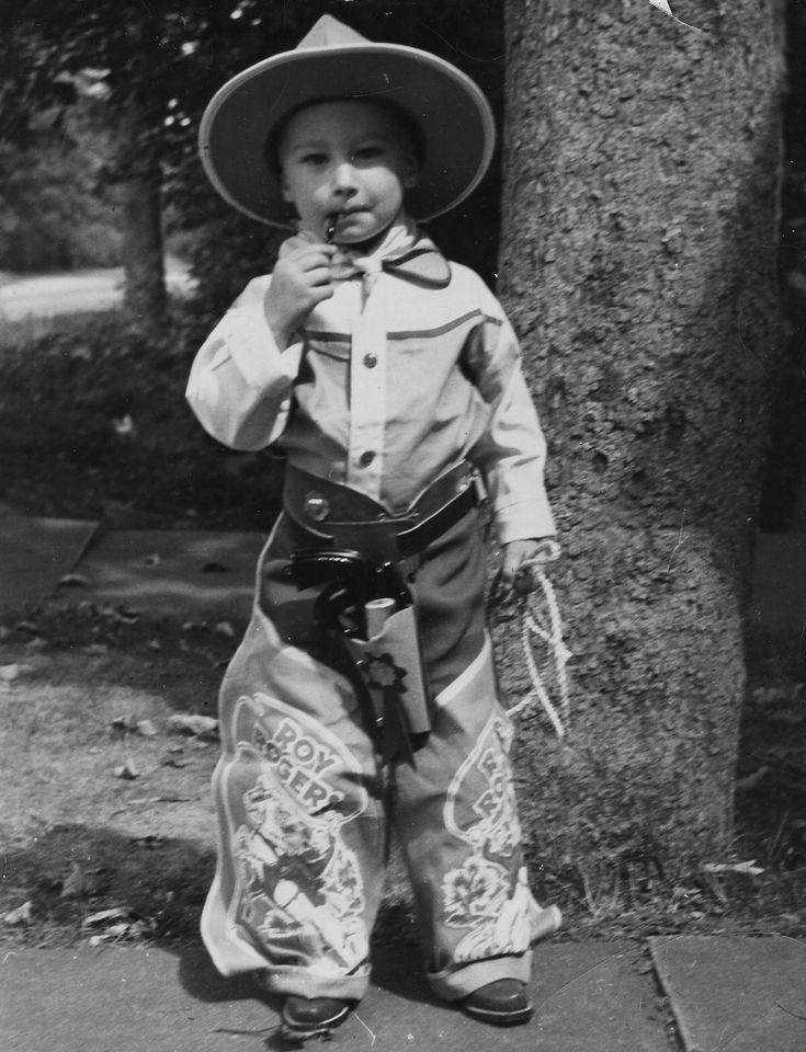 What a cute little cowboy! Circa 1950. #History #Vintage #Cowboy  Brother Randy use to dress up like this.. Then dad would put him on calf....