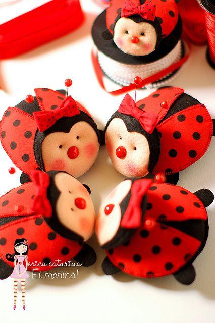 Joaninhas confabulando! by Ei menina! - Érica Catarina, via Flickr