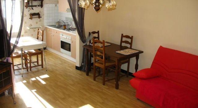 La Romana - #VacationHomes - $107 - #Hotels #France #Sainte-Cécile-les-Vignes http://www.justigo.co.za/hotels/france/sainte-cecile-les-vignes/lla-romana_69605.html