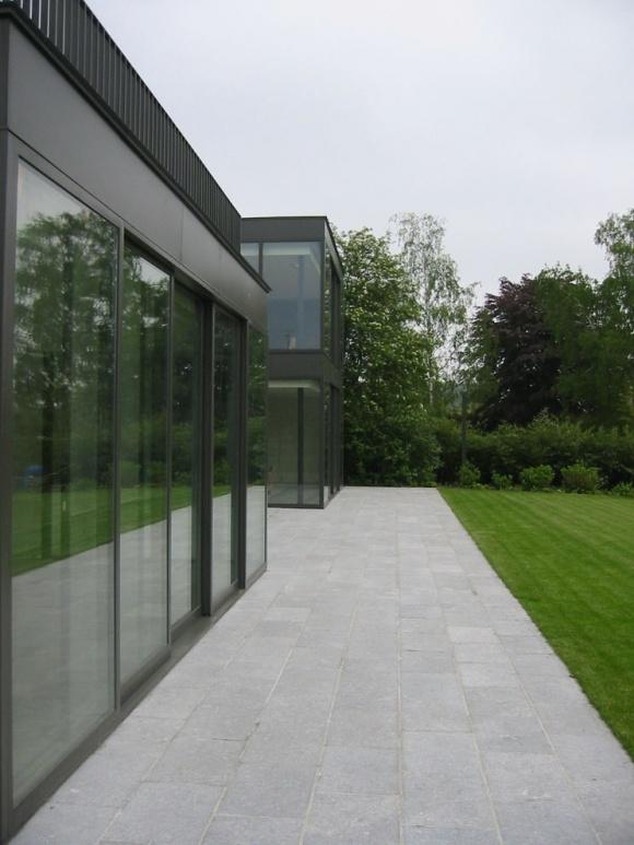 m-b residence, dessel: Garden Design, M B Residence, Modern Exterior