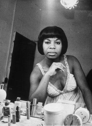 Nina Simone in her dressing room. S)