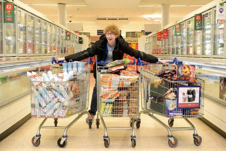 Teenager buys £600 of food for just 4p with supermarket coupons - and gives it to charity