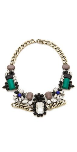Gorgeous statement necklace!