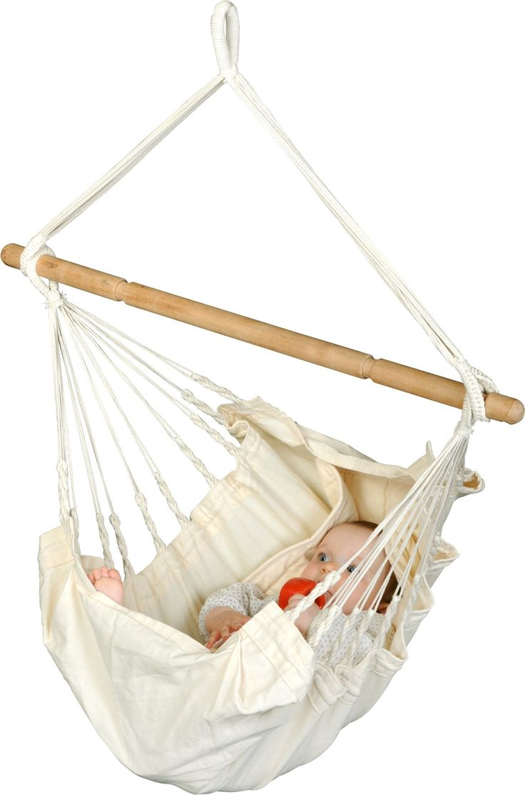 La Siesta Yayita Babyhangmat  La Siesta Yayita In een hangmat voelen baby's zich snel vertrouwd. De schommelingen en de geborgenheid van de hangmat lijken op de zachte bewegingen in de buik van de moeder. In een hangmat komen baby's dan ook snel tot rust. Ook voor huilbaby's is een baby hangmat zeer geschikt. Deze hangmat is gemaakt van organisch katoen en heeft een draagvermogen van 20 kilogram. De hangmat wordt geleverd inclusief spreidstok. Veiligheid en comfort Het Yayita baby hangmatje…