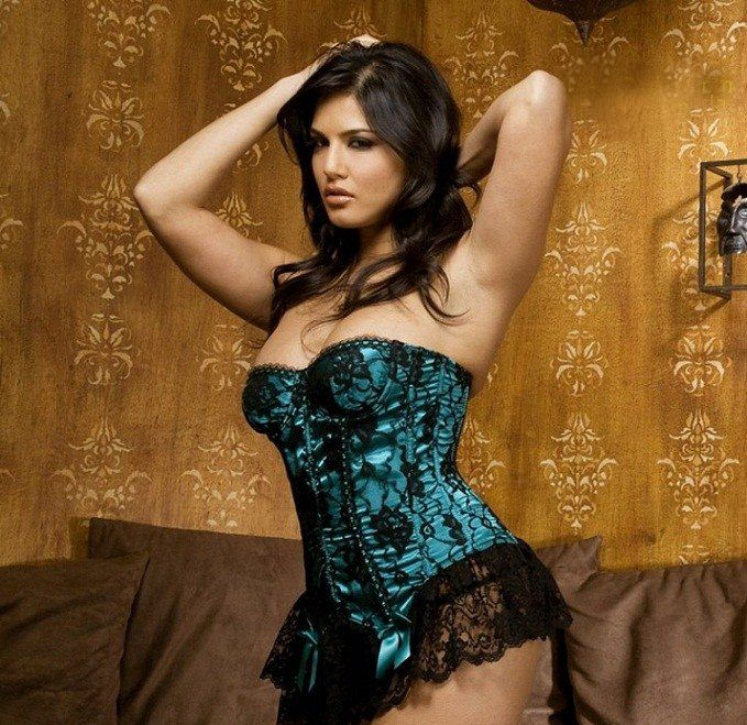 1000+ Images About Sunny Leone's Photo Without Clothes On