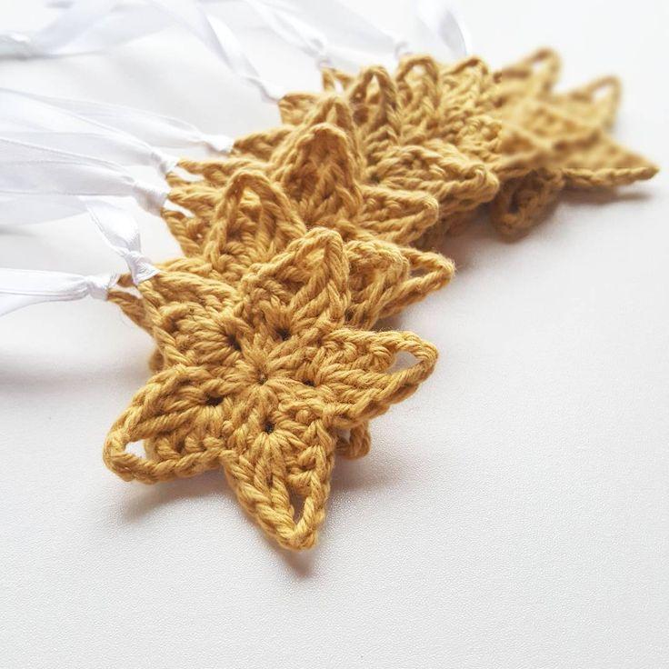 Crochet stars by @hk_crochets #grenediy