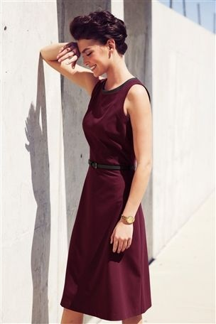 Get your hands on our tailored berry dress and look just as chic as Arizona Muse