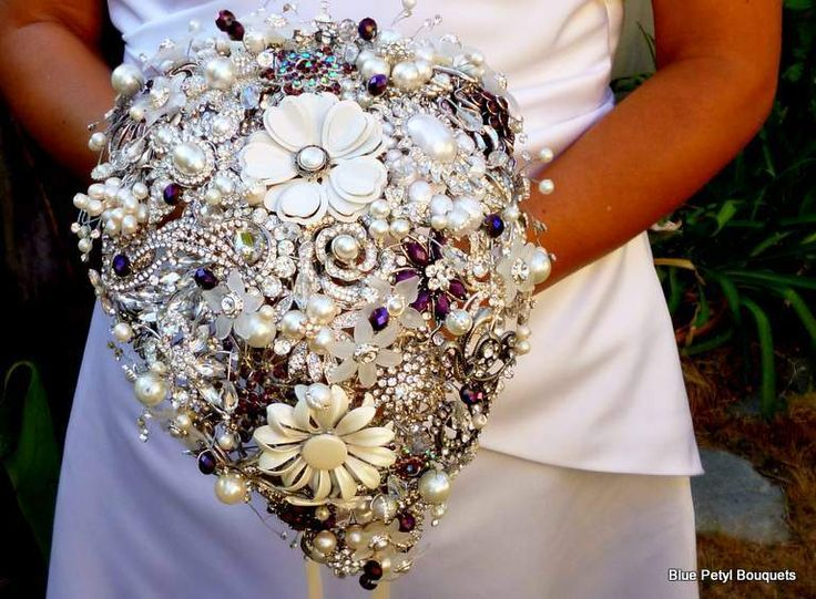 www.sameepam.com   Tear-Drop Brooch Bouquet BM05 - Blue Petyl (alternative bouquet ...