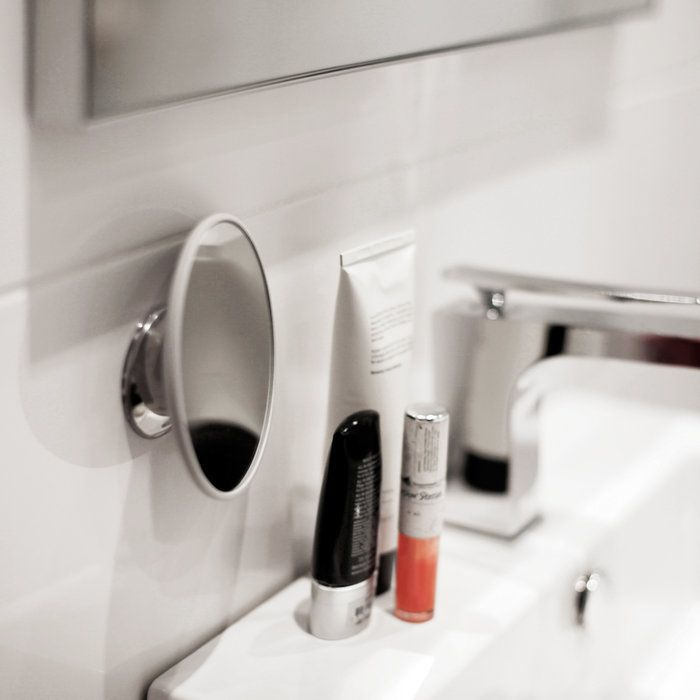 The Makeup Mirror fastend on tiles. Bring this smart and portable mirror home today! #bosign #scandinavian #lifestyle #travelsmart #makeupmirror