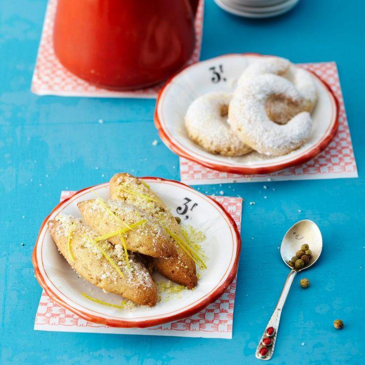 Klassische Vanillekipferln aus einem Mandel-Mehl-Teig mit Puderzucker.