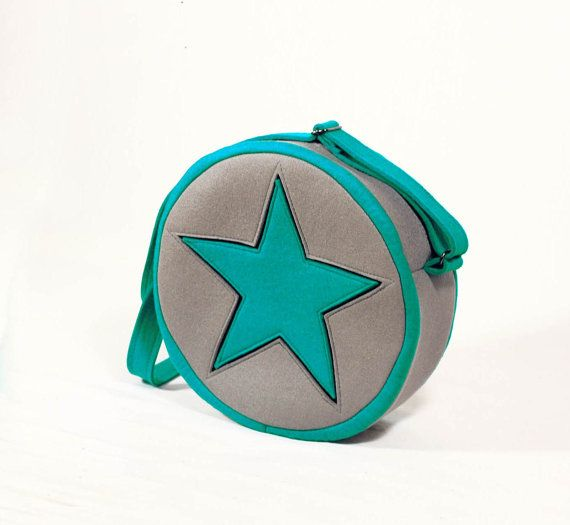 Hey, I found this really awesome Etsy listing at https://www.etsy.com/listing/170599892/ramona-flowers-mint-star-felt-bag
