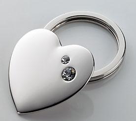TWINKLING HEART Porta-chaves em forma de coração inchado, feito com SWAROVSKI ELEMENTS, metal fundido.
