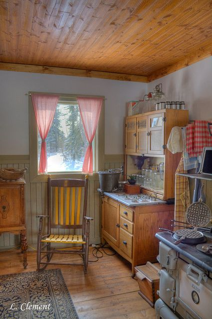 Old Fashion Kitchen by Lynn Clement...I have this same Hoosier...wish I had the rest!