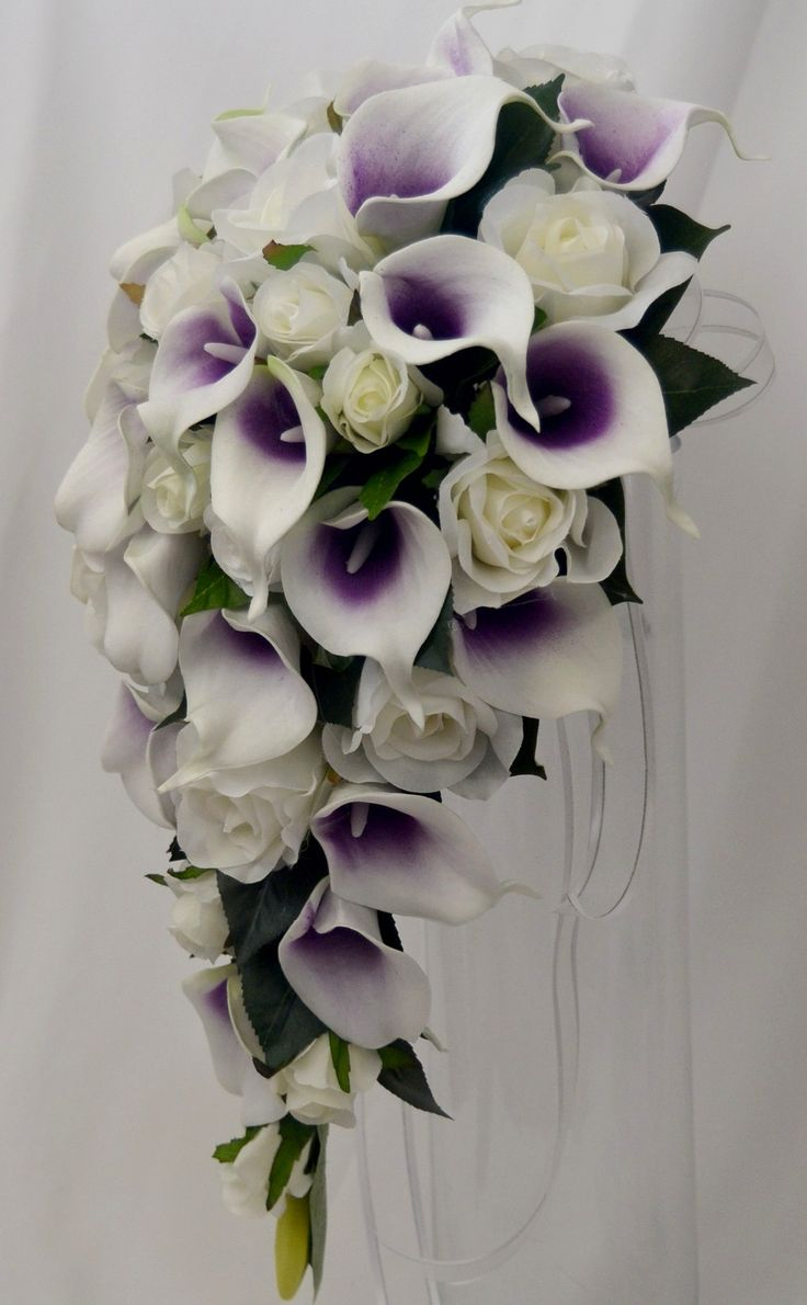 Latex picasso calla lily , cream rose teardrop bouquet
