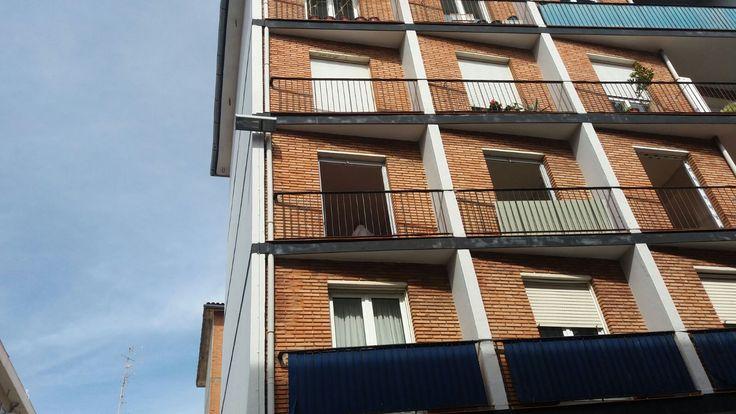 Comenzamos el lunes mostrando un cambio de ventanas que realizamos la semana pasada en #Algorta. ¿Conoces la calle?
