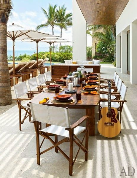 CHIC COASTAL LIVING: Cindy Crawford and George Clooney's Cabo San Lucas Beach Houses dining table al fresco