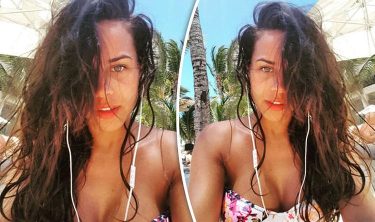 cool Georgia May Foote flaunts ample assets in floral bikini in smouldering sunkissed selfie Check more at https://epeak.in/2017/01/12/georgia-may-foote-flaunts-ample-assets-in-floral-bikini-in-smouldering-sunkissed-selfie/