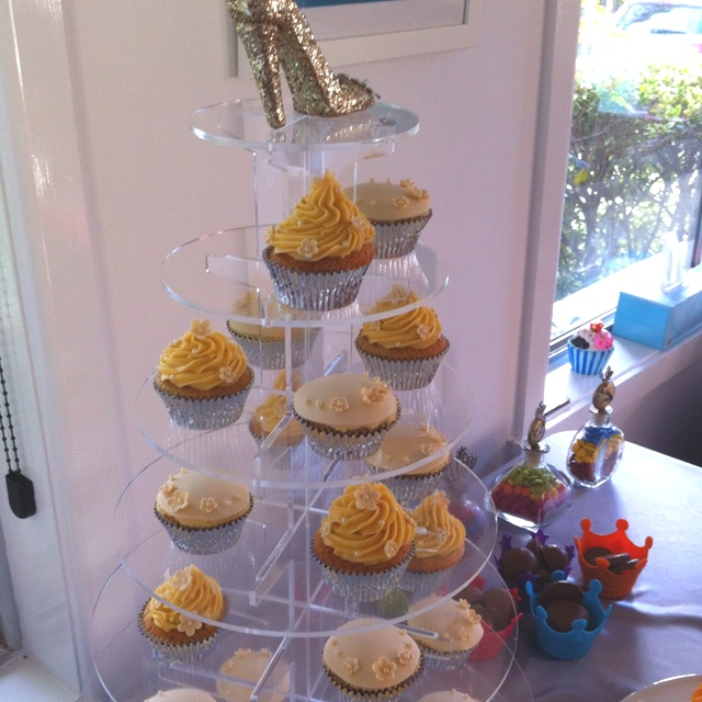 Shoe party cupcakes