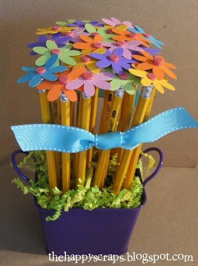 Use the George and Basic Shapes cartridge to cut out flowers and put on pencils to make this bouquet for a Teacher Appreciation Gift. See it at www.thehappyscraps.com