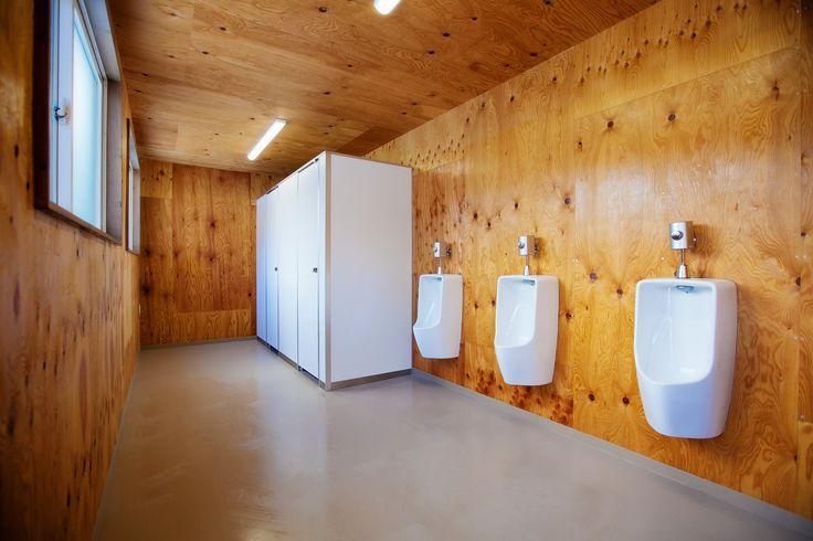 BASE1 男子トイレ