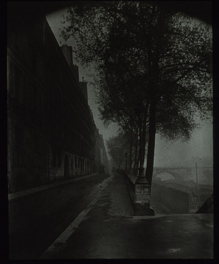 Eugène Atget, Quai d'Anjou in a morning fog, 1926.