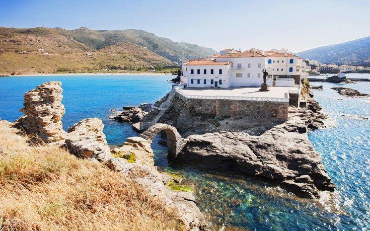 Το γοητευτικό νησί της Άνδρου με την μεγάλη ναυτική παράδοση