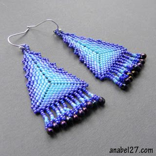 треугольные серьги в сиренево-голубых тонах