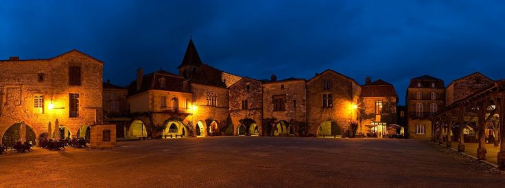 Monpazier by night...