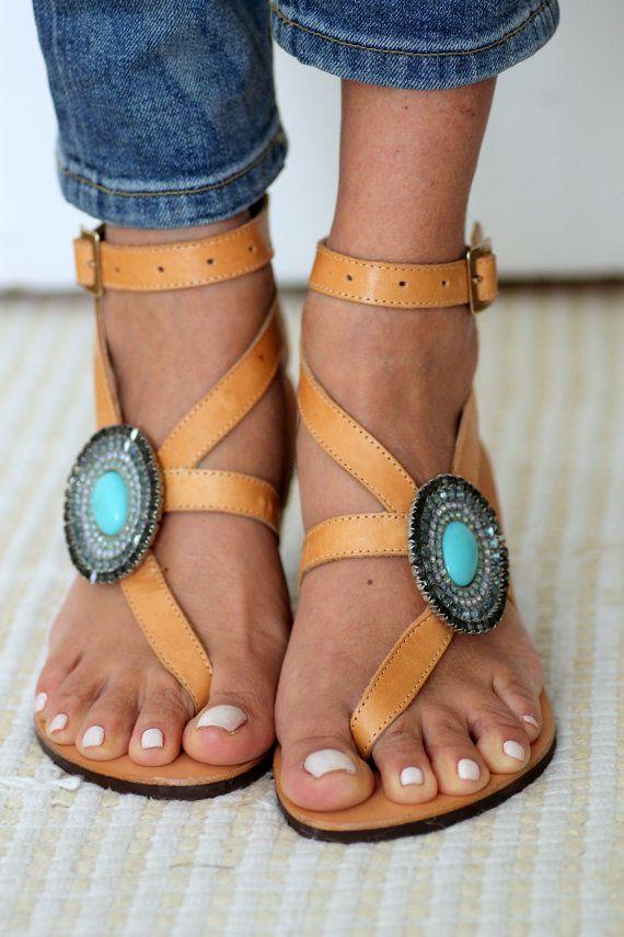 Sandals decorated with Swarovski crystals  por ElinaLinardaki
