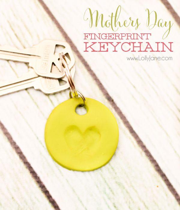 Make a simple Mothers Day clay fingerprint keychain! Love how the little fingers made a heart shape. Cute! via lollyjane.com