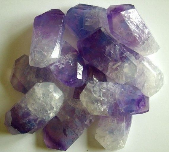 I'm not normally a soap fan, but these amethyst crystal inspired soaps are gorgeous for your science minded friends...