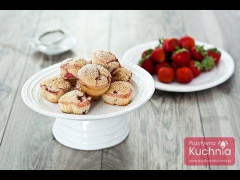 Muffiny z truskawkami przepis | DOROTA.iN