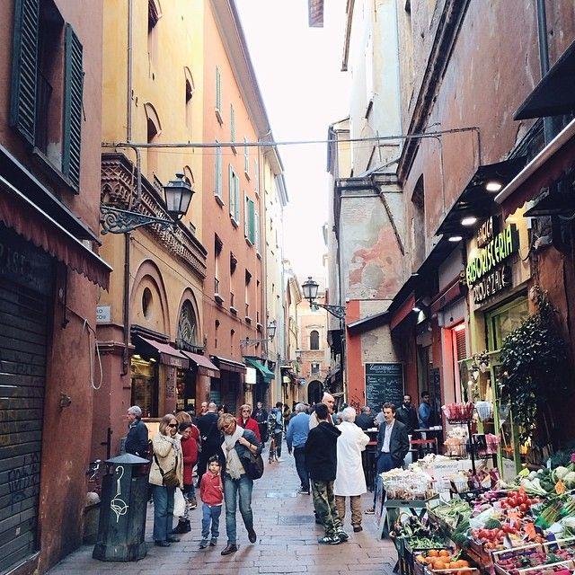 @silvia Storie di vita quotidiana a #Bologna   #mybologna #twiperbole