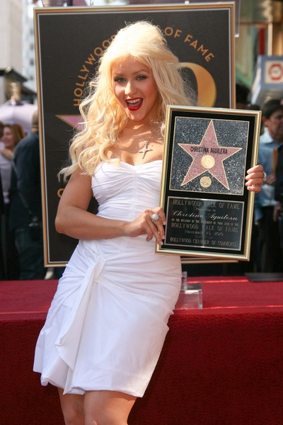 Christina Aguilera receives a StarQueens Xtina, Hollywood Walks, Stars Awesome, Favorite Celebrities, Thankschristina Aguilera, Aguilera Receiving, Stars Celebrities, Music Artists, The Roller Coasters