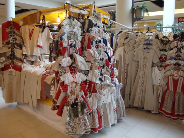 Tradičné ľanové oblečenie.